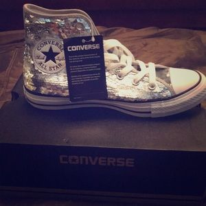 Converse Chuck Taylor silver sequin size 7